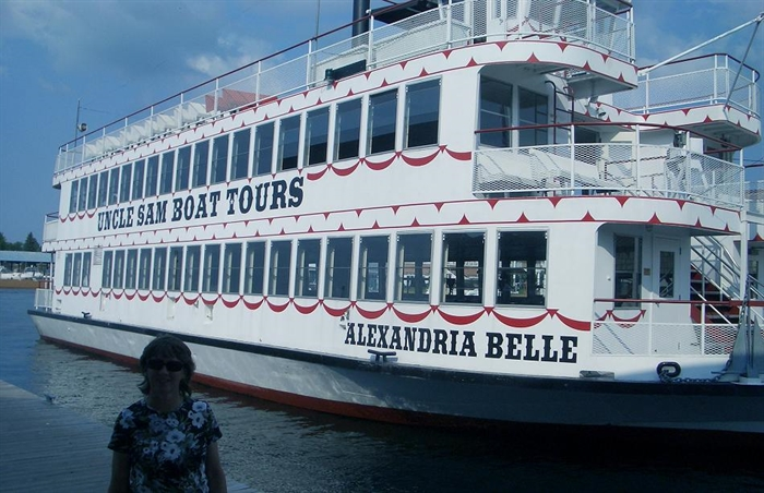 Alexandria Belle Tour tour boat with Libby