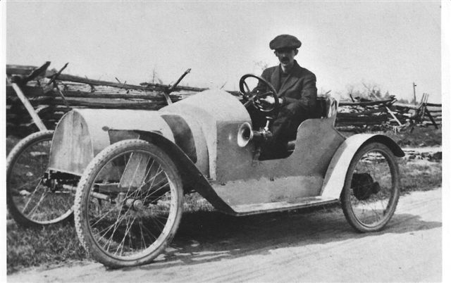 Walter E. Dunn 1915 in the Auto he built.  Photo courtesy R. Spooner