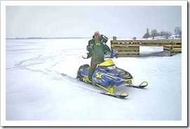 Sahwn Roes Snowmobile